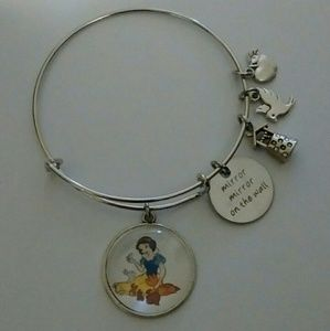Jewelry - Disney Snow White Bangle Bracelet